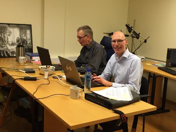Ein av kommunane som har takke ja til å sitte å arbeide med arkivplan.no i IKA sine lokaler er Stordal kommune. Her representert med: Alexander Oudijk og Martin Vos. Foto: Åsta  Vadset, IKAMR.