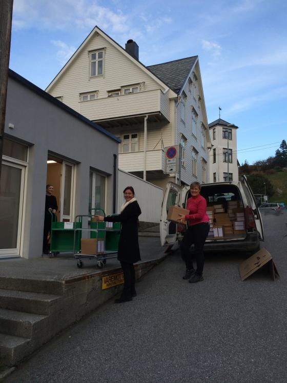 Avlevering frå Fræna kommune, november 2014. Foto: Guro Flø, IKAMR.