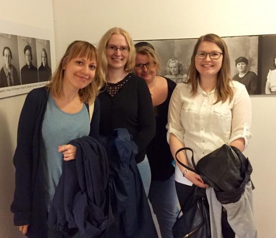 Frå venstre mot høgre: Julia, Aimee, Mette og Sunniva. Foto Åsta Vadset, IKAMR.